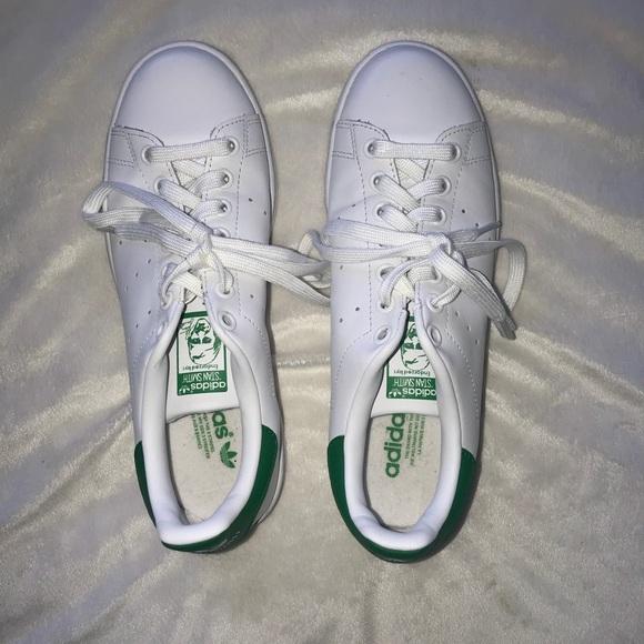 le adidas stan smith 7 poshmark mens dimensioni